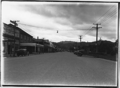 Glass plate negative – Hakiaha Street, Taumarunui