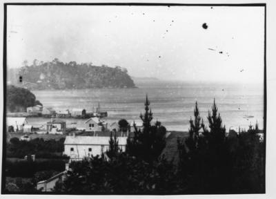 Glass plate negative – unidentified coastal town