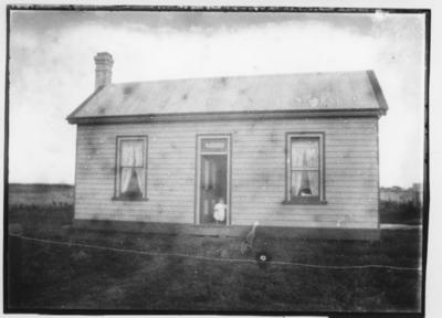 Glass plate negative – unidentified house