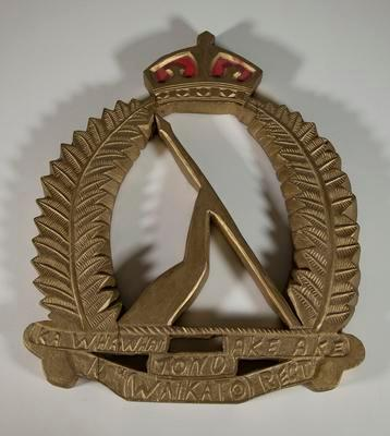 Badge – 16th Waikato Regiment wood badge