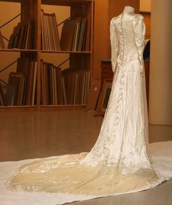 Wedding dress - cream silk with train