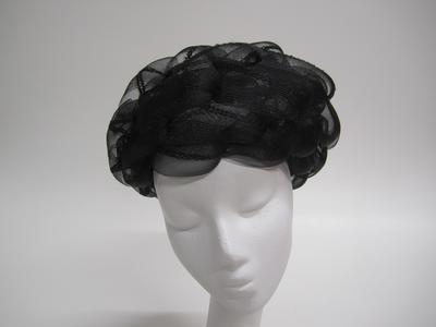 Black net hat