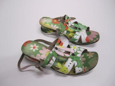 Women's sandals [floral pattern]