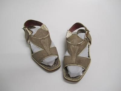 Sandals, brocade embroidery