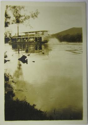 Paddlesteamer Manuwai near Taupiri