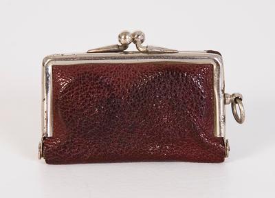 Sovereign purse