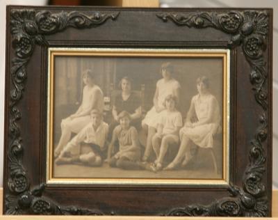 Photograph [group portrait]