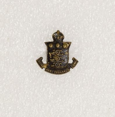 Collar badge – Indian Ordnance Corps