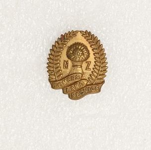 Badge – NZ Women's Land Service