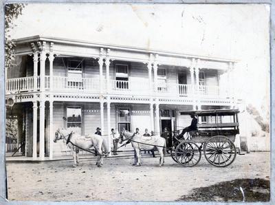 Photograph - Royal Hotel, Hamilton East.