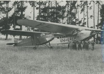 "Photograph – Aircraft ""Faith in Australia"""