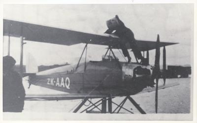 """Photograph – Aircraft """"Bluebird"""" at Hokianga"""