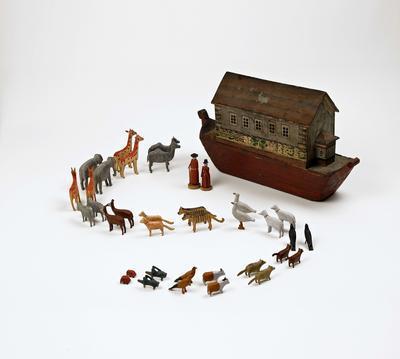 Noah's Ark – Noah's family and the animals