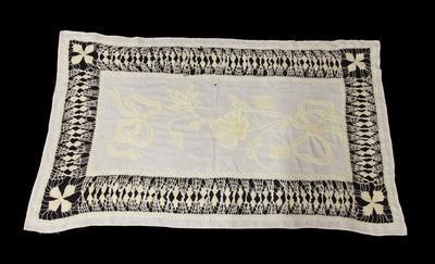 Tablecloth / tray cloth
