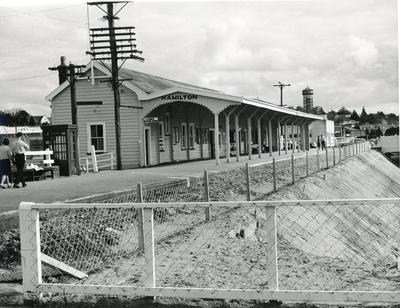Photograph – Hamilton Railway Station and lowering of railway line
