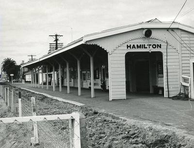 Photograph - Hamilton Railway Station and lowering of railway line