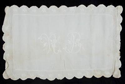 Bedroom linen set