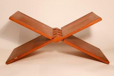 Polishing stool