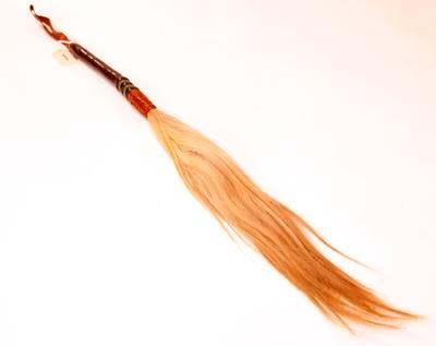 Fly-whisk
